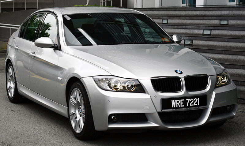 bmw malaysia launches new bmw 320i sports. Black Bedroom Furniture Sets. Home Design Ideas