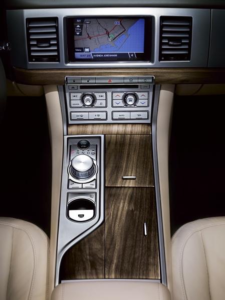 New Jaguar Xf Details And Photos