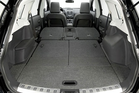 nissan qashqai now available as a 7 seater. Black Bedroom Furniture Sets. Home Design Ideas