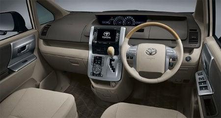 Toyota Noah Valvematic