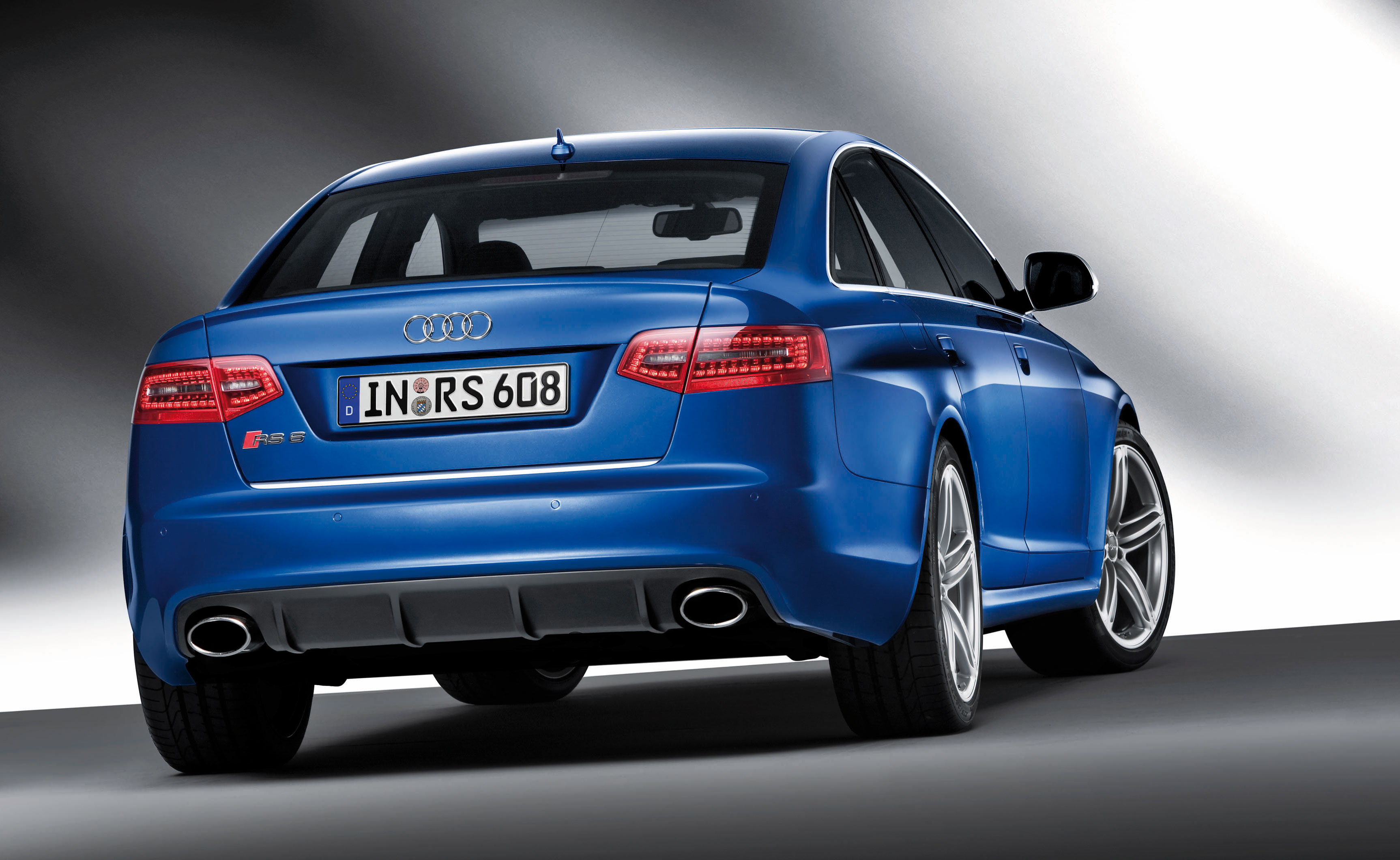audi rs6 sedan unveiled details and photos. Black Bedroom Furniture Sets. Home Design Ideas
