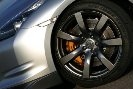 Nissan GT-R Brakes