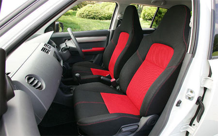 swift_sport_interior.jpg