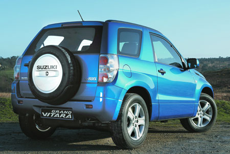 suzuki_grand_vitara_3door_2.jpg