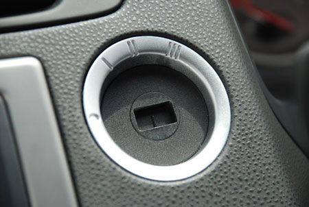 volvo-v50-key-hole.jpg