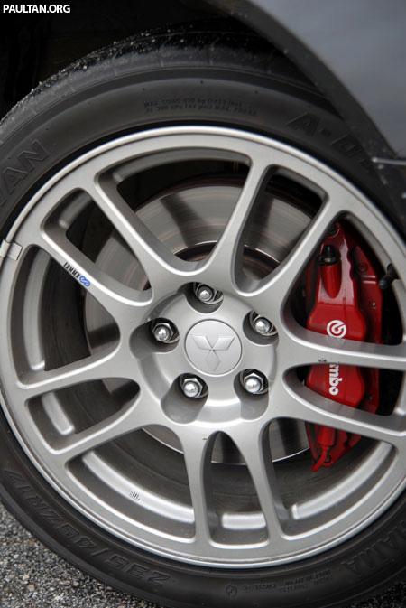 Mitsubishi Lancer Evolution 9 Short Write-up