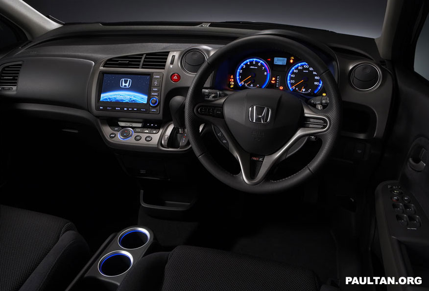 2007 Honda Stream Interior Photos