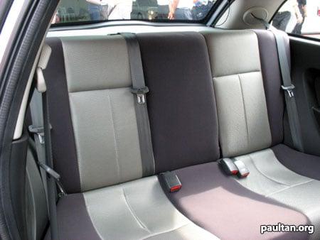 satrianeo_rearseats.jpg