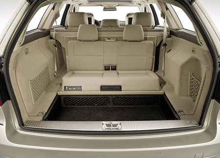 W212 E Class Wagon Features 3rd Row Seats