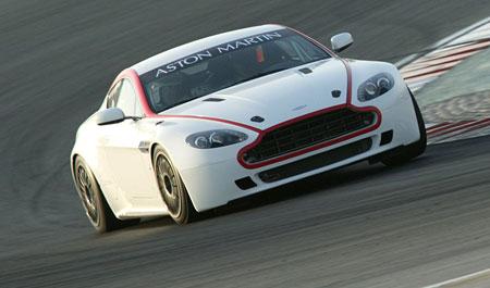 Aston Martin Vantage GT4