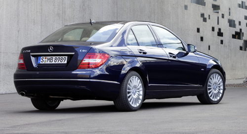 W204 Mercedes-Benz C-Class gets big facelift for 2011