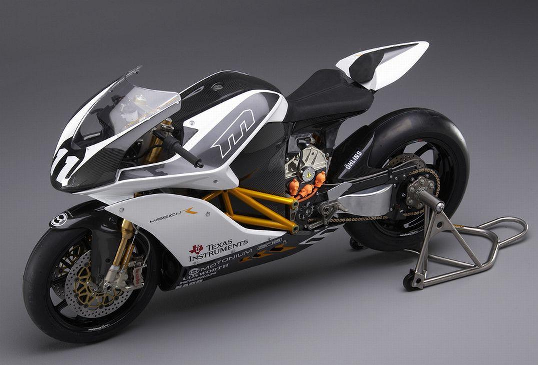 Futuristic Cars Racing